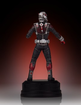 SDCC2015-Gentle-Giant-Ant-Man-Statue-006