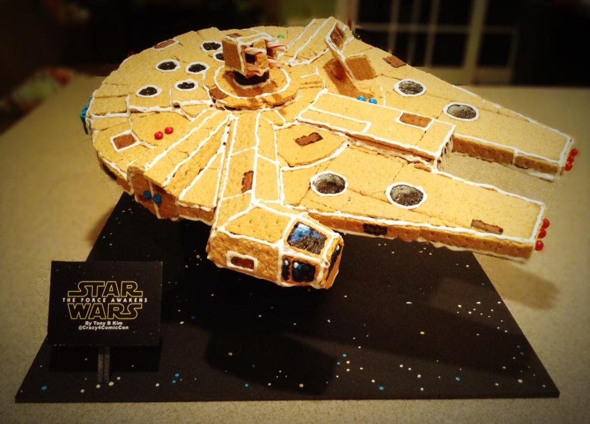 Gingerbread Millennium Falcon v2.0