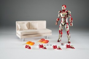 Comicave-Studios-SDCC-San-Diego-Comic-Con-Exclusive-Diecast-Iron-Man-Mark-42-Sofa-1